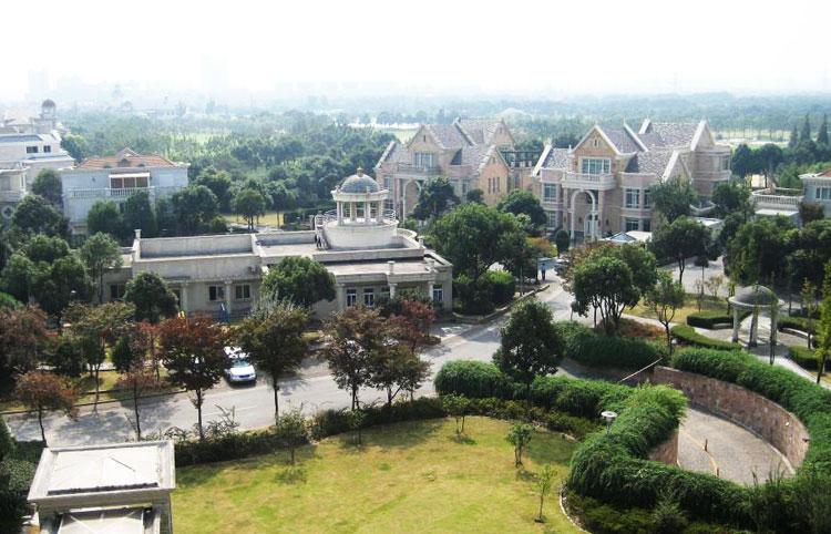 上海汤臣高尔夫图片大全森林别墅项目里别墅的唯美图片